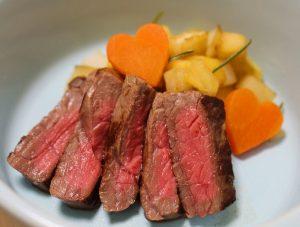 牛もも肉のステーキ ~秋~